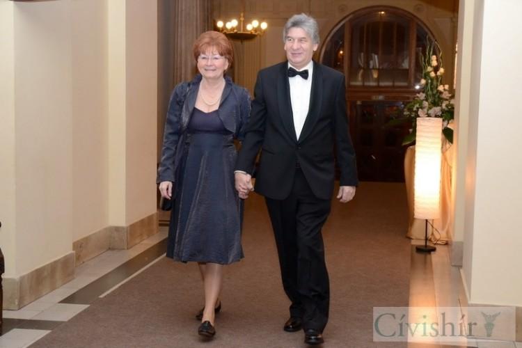 Száz év emléke és fénye a Debreceni Egyetem bálján
