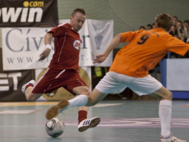 Hétfőn rajtol a kispályás labdarúgó bajnokság
