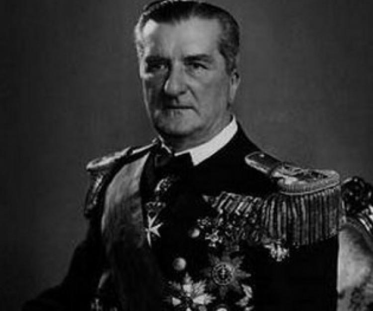 Megkapta az emléktáblát Debrecenben Horthy Miklós