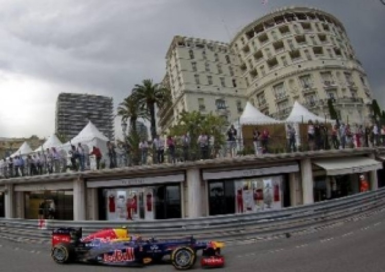 Webber-siker és dögunalom Monacóban