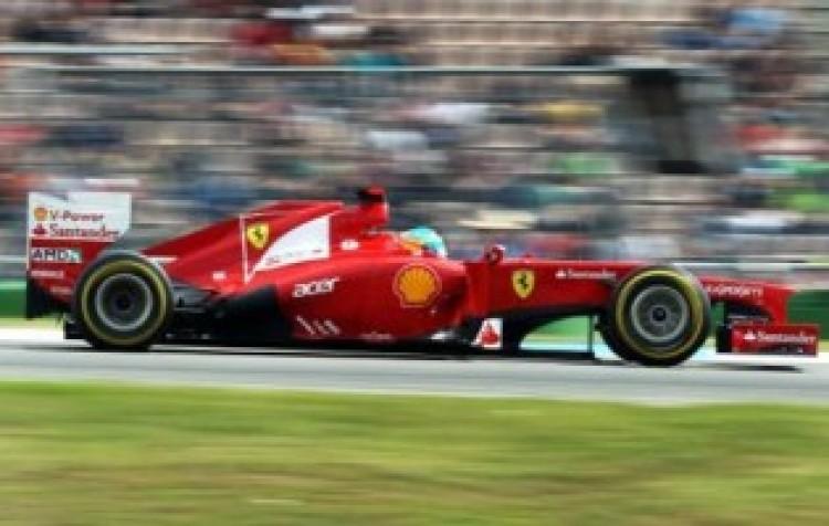 Alonso rajt-cél győzelmet aratott a dögunalmas Német Nagydíjon