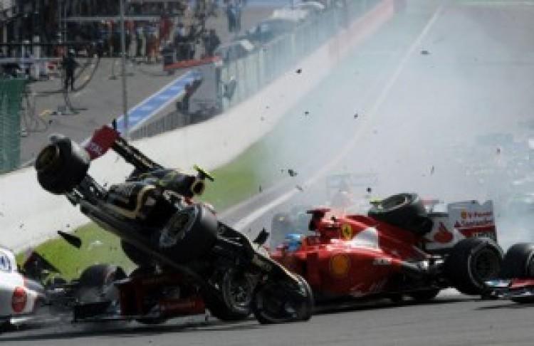 Óriási karambol és McLaren-győzelem Spában