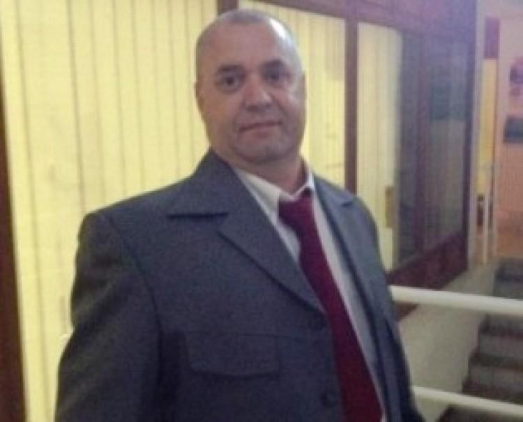 Debrecenben Bandi bácsi mondja meg, mikor megy a pofon!