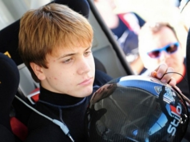 Mindenkit letarolt a 16 éves magyar kamionos