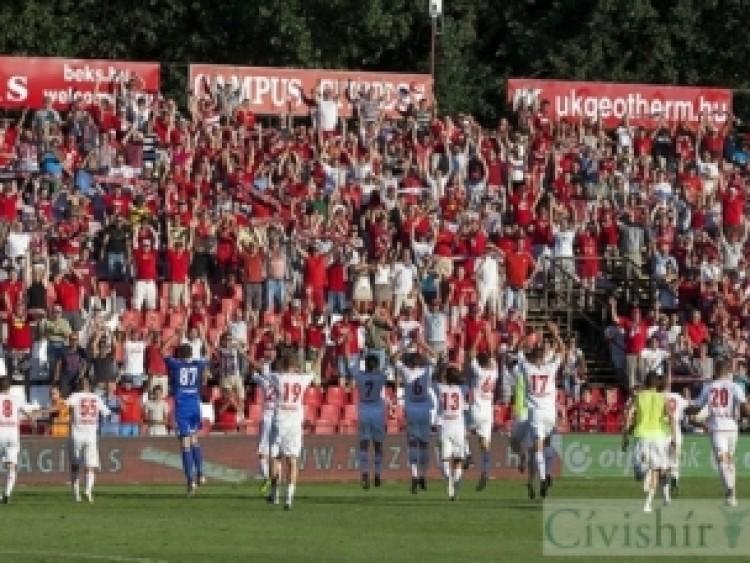 Debrecen, ne add fel! Dombi Tibi, tarts ki!