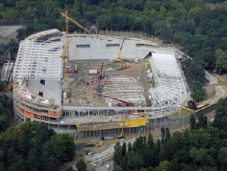 A szegények, a kátyú és a debreceni stadion