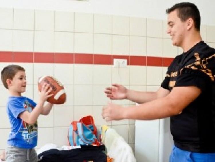 Debrecen Gladiátorai a kicsik arcára csalnak mosolyt