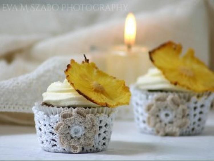 Ide süss! Diétás gesztenyemuffin sült ananászvirággal