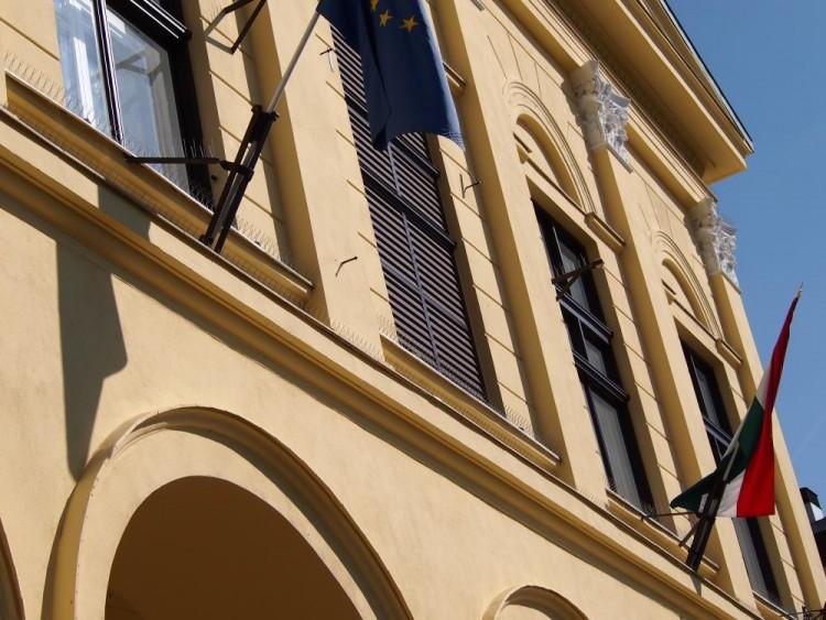 Hűvös tartózkodás a debreceni városházán
