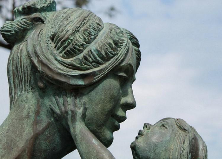 Anyák, akik nem szülnek