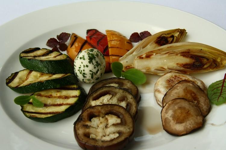Keddi ajánlatunk: Antipasti pout rourie friss, fűszeres juhsajtgombóccal