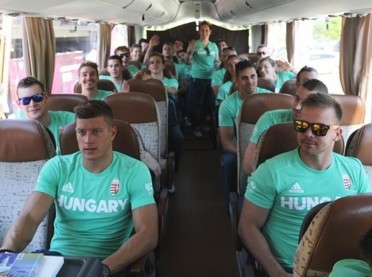 Megérkeztek! Hajrá, magyarok!