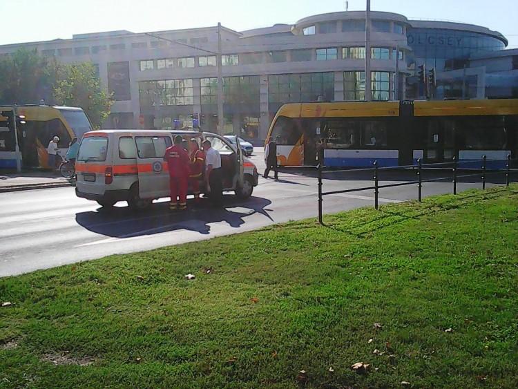 Igen, megint villamosbaleset Debrecenben