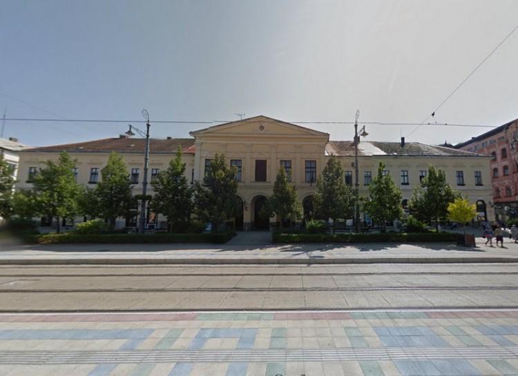 A debreceni önkormányzat is beszáll a népszavazási kampányba