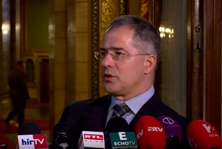 A kormány nem enged a Jobbik zsarolásának. Vagy mégis?