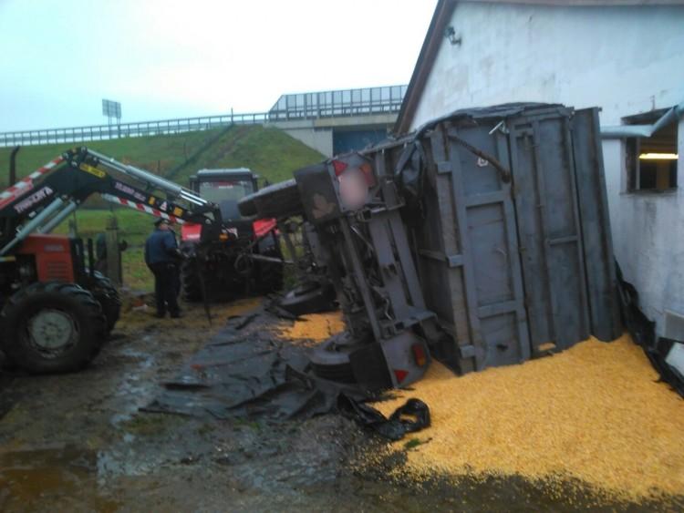 Tragédia Pródon: pótkocsi borult egy férfira