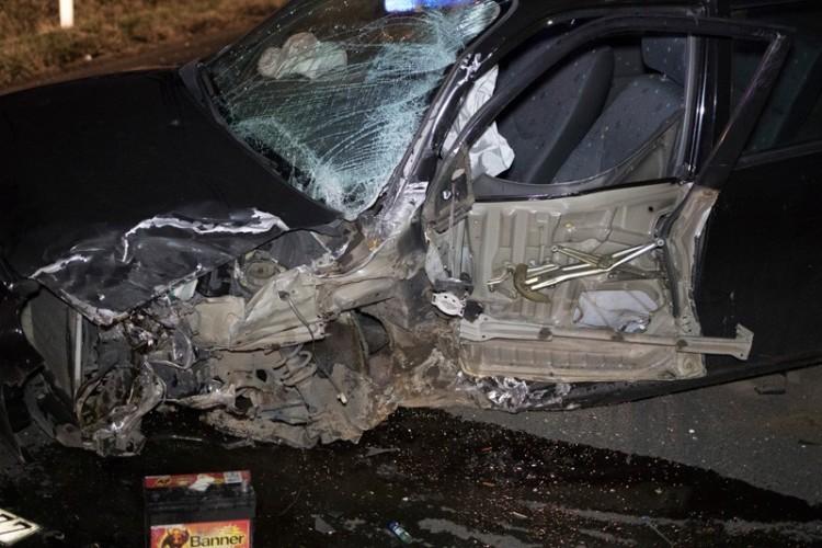 Súlyos baleset a 48-ason