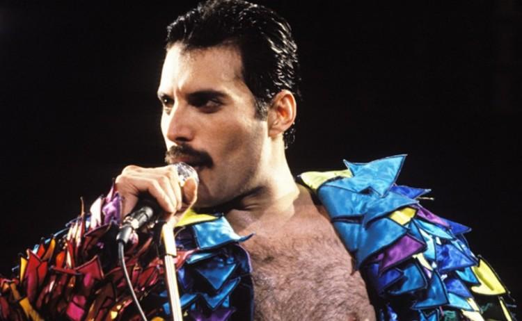 Film készül az ikonikus énekesről