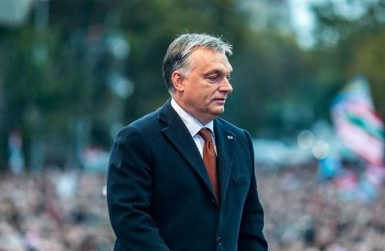 Orbánnal van tele a brit sajtó