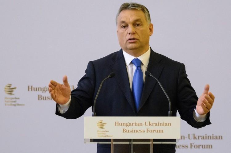 Orbán Viktor nem fogyókúrázni jött Debrecenbe