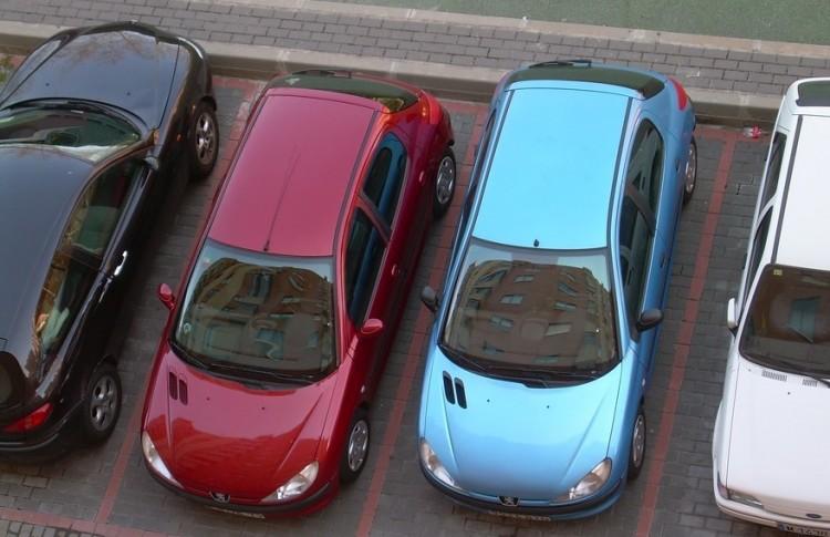 Ajándék a debreceni autósoknak: több a fizetős parkoló, de olcsóbb