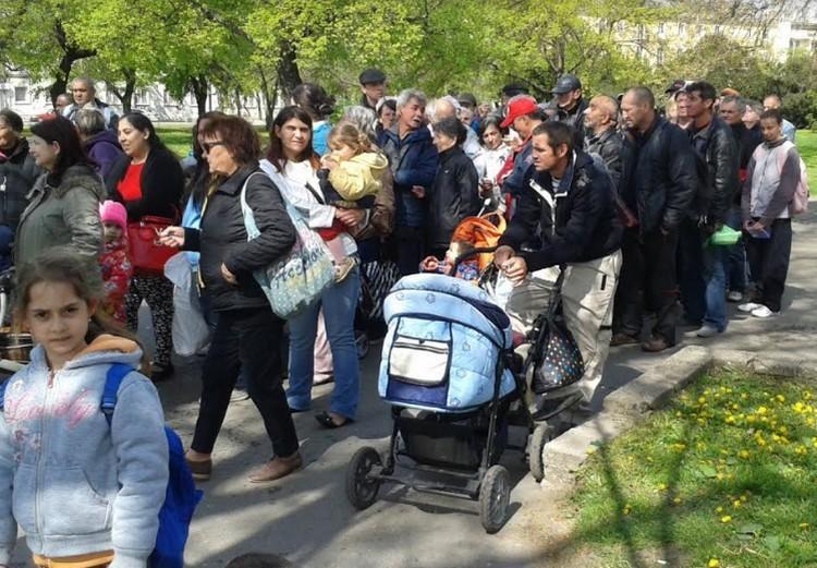 Húsvéti ételosztást tartottak az MSZP-sek