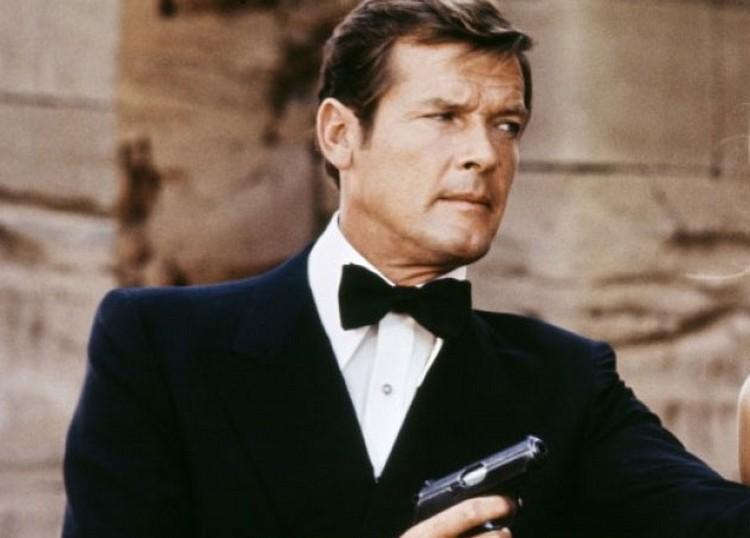 Elhunyt a James Bond-filmek legendája