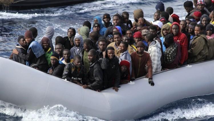 A migránsoknak moslékot adtak, a pénzt lenyúlták