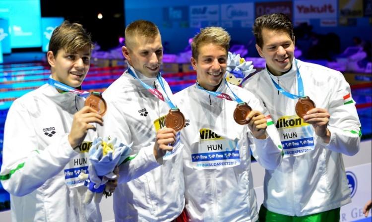 Fantasztikus úszás! Világbajnoki bronzérmese van Hajdúszoboszlónak!