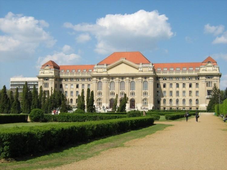Debrecen sokat költhet most tehetséggondozásra