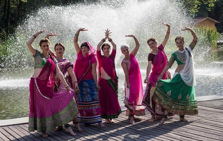 Indiát varázsolnak Debrecenbe