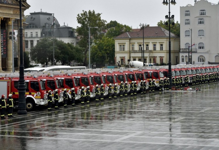 Debrecennek is jut a tűzoltóautókból