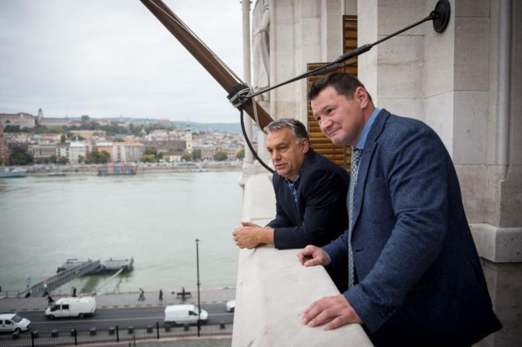 Orbán Viktor nagy sztárt fogadott az Országházban