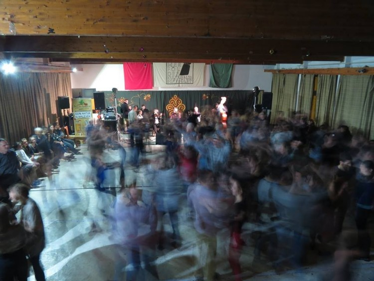Debreceni Folkmásfélnap: koncertek, táncház, hagyományőrzés