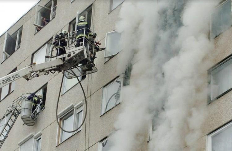 Ekkora tüzet ritkán lát Debrecen! A tűzoltók nem is feledik!