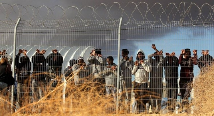 Ilyen menekültpolitika is van: aki nem távozik önként, börtönbe vetik!