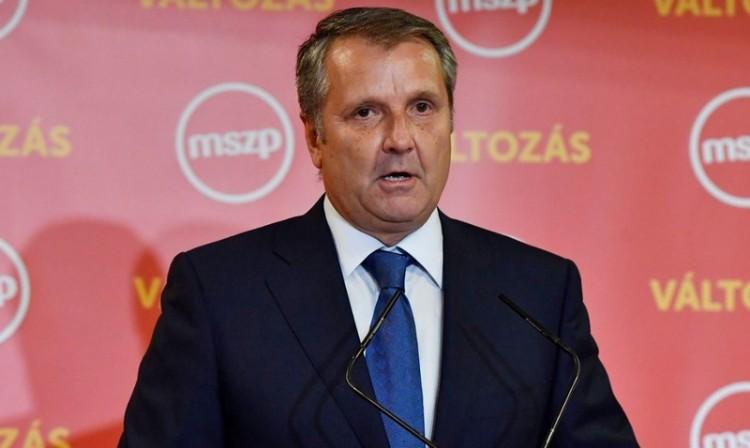 Ultimátumot kapott az MSZP elnöke
