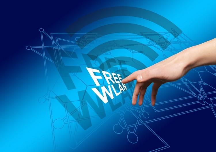 Szélessávú internetet és ingyen wifit ígérnek 2019-re