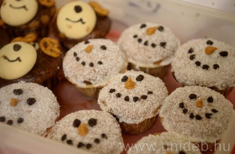 Sütikupával készülnek a karácsonyra a Debreceni Egyetemen