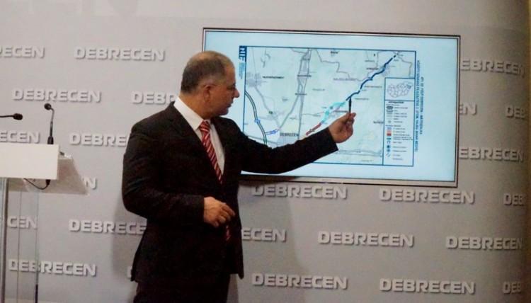 Kósa Lajos Debrecenben: folytatódik a gyorsforgalmi utak fejlesztése