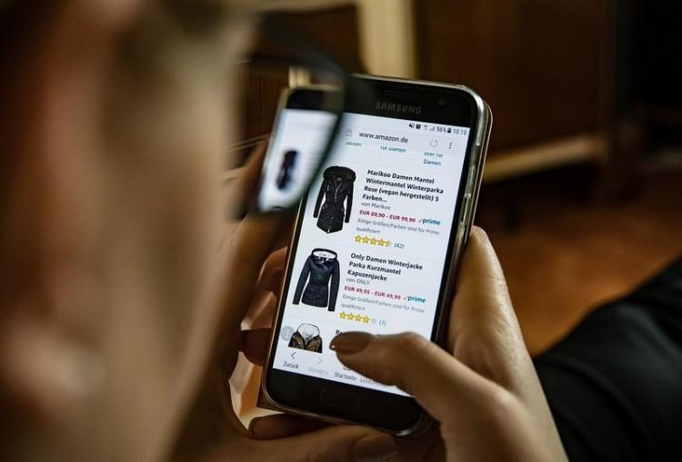 Vigyázni kell a hamisított termékekkel a karácsonyi bevásárláskor