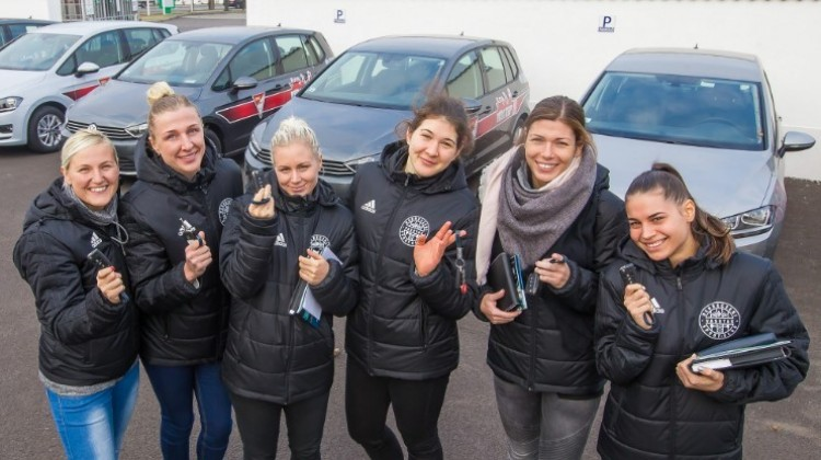Debrecenben a lányoknak is jár Volkswagen!