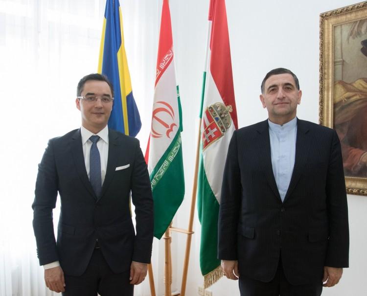 """Diákokhoz érkezett Debrecenbe, de a polgármesterhez is """"beugrott"""""""