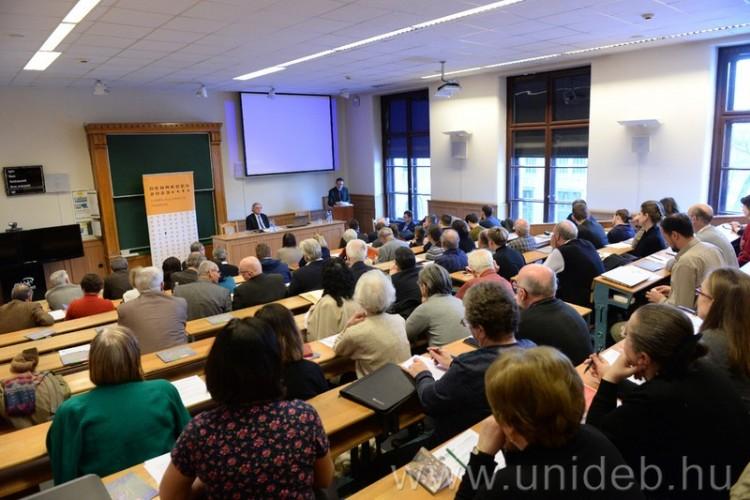 Debreceniségről, cívis öntudatról az egyetemen