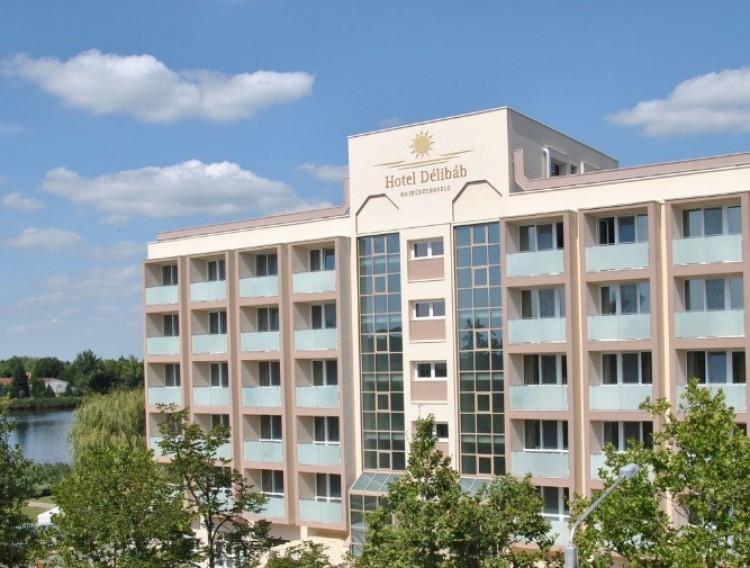 Luxus váltotta fel a szocreált: egy hajdúszoboszlói hotel a második legjobb az országban!