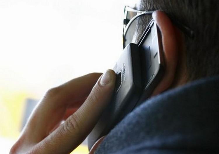 Csak óvatosan! Telefonos csalók vághatják át