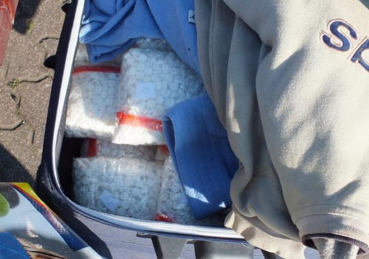 62 kilós drogfogás a sztrádán