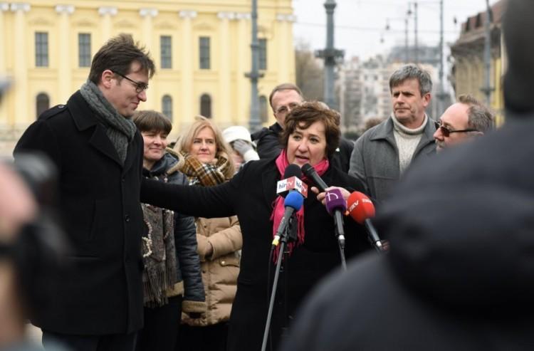"""Karácsony a debreceni flaszteren: """"Magyarországot rablóbanda irányítja"""""""