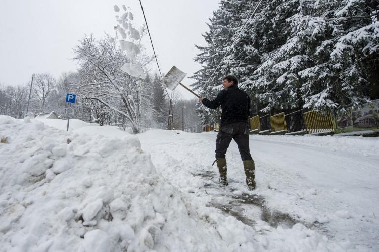 40 centis a hó a Bükkben, Kékestetőn 50