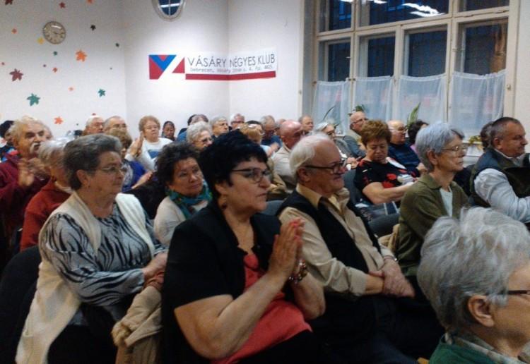 Poénhegyek az MSZP kampánynyitóján - optimizmus szülte vagy az esélytelenség nyugalma?